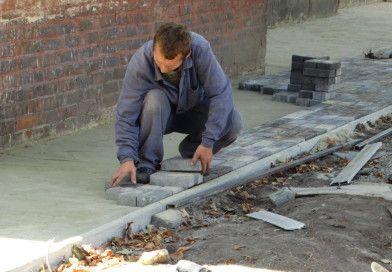 У Сумах на Хіммістечку ремонтують тротуари