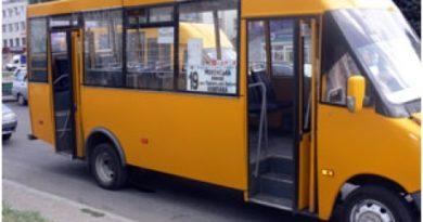 У Сумах із суботи приватний громадський транспорт перевозитиме лише окремі категорії населення